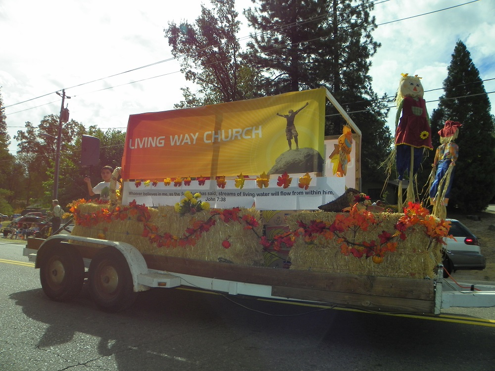 Mountain Heritage Days Parade 2013 - Living Way Church - Photo by Kellie Flanagan