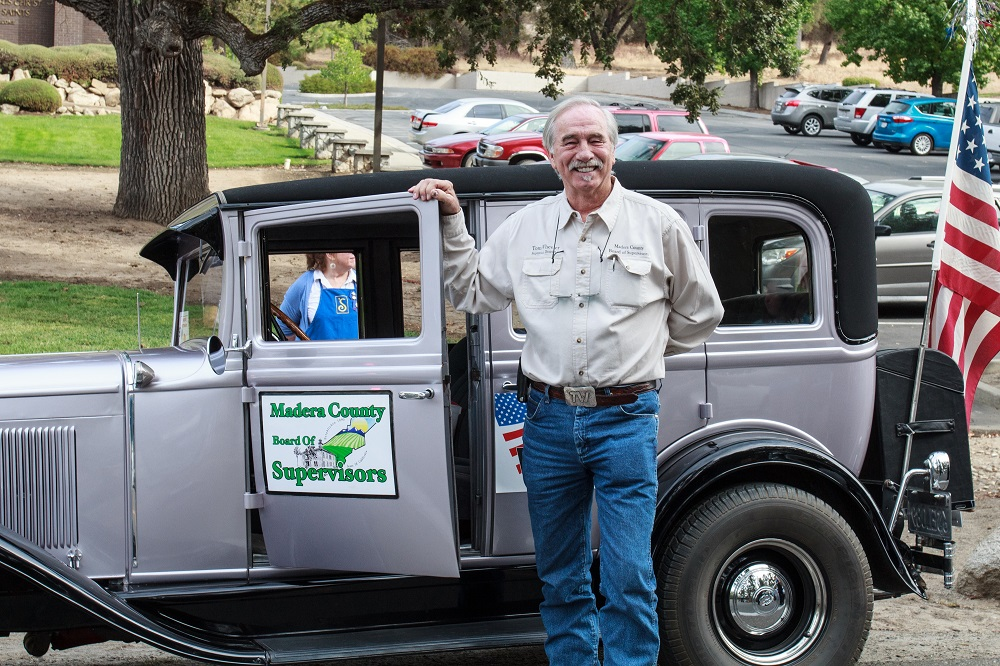 Mountain Heritage Days Parade 2013 - Madera County Board of Supervisors - Photo by Virginia Lazar