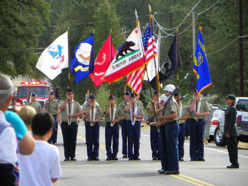 Mountain Heritage Days Parade 2013 - YHS Color Guard 1 - Photo by Kellie Flanagan