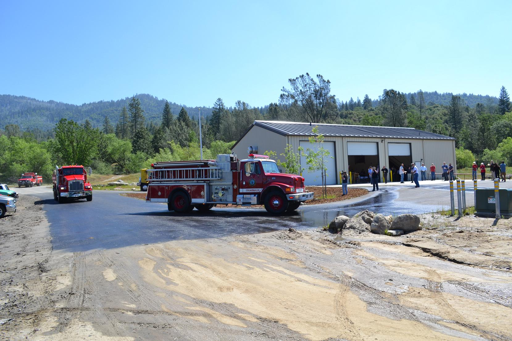 Engine water tender and squad arrive at new North Fork Fire Station 5-10-13