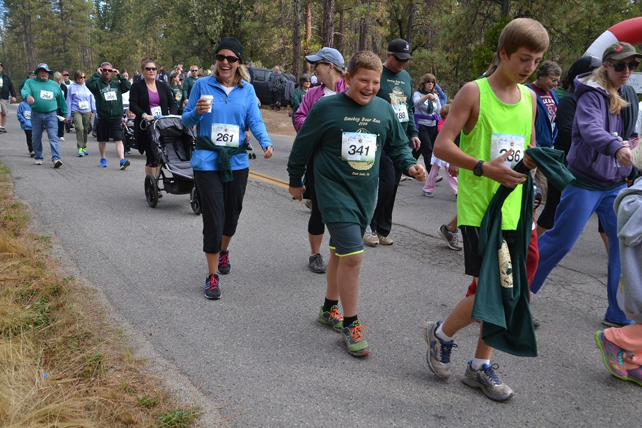 Walkers start off at Smokey Bear - photo by Gina Clugston