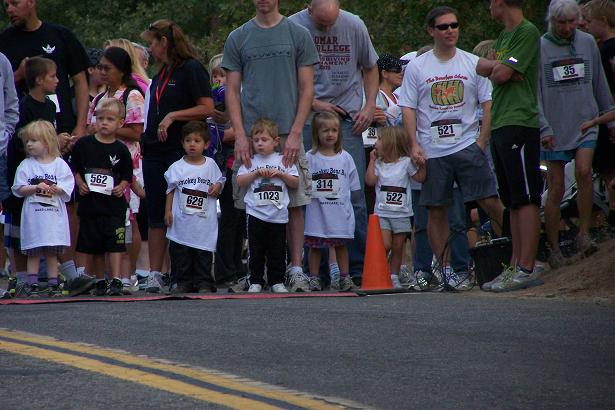 Smokey Bear Run 2-4 year olds starting line